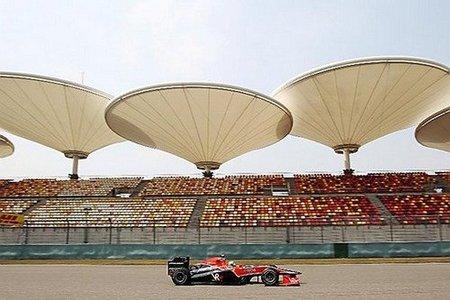 Lucas di Grassi durante los libres 1 del GP de China 2010