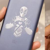 Xiaomi permite decorar los teléfonos con láser pero Huawei y Apple también lo ofrecen
