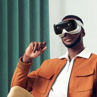 El fundador de HTC vuelve con XRSpace Mova, las primeras gafas de realidad virtual con 5G y red social propia