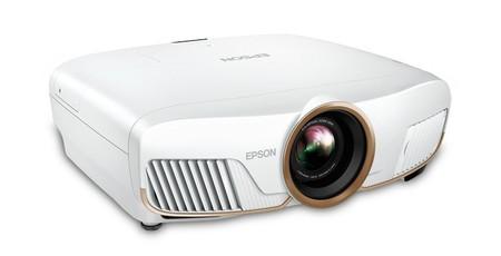 Epson pone por fin a la venta sus proyectores 5050UB y 5050UBe, dos modelos que llegan para competir en el sector 4K