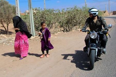 Sahara en moto histórica. Sidi Ifni, una guerra olvidada