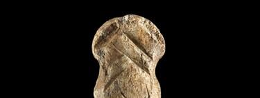 Este hueso esculpido es de la época Neandertal: una de las obras de arte más antiguas que se conoce