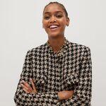 Mango le planta cara a Chanel: siete piezas de tweed que funden tradición y modernidad