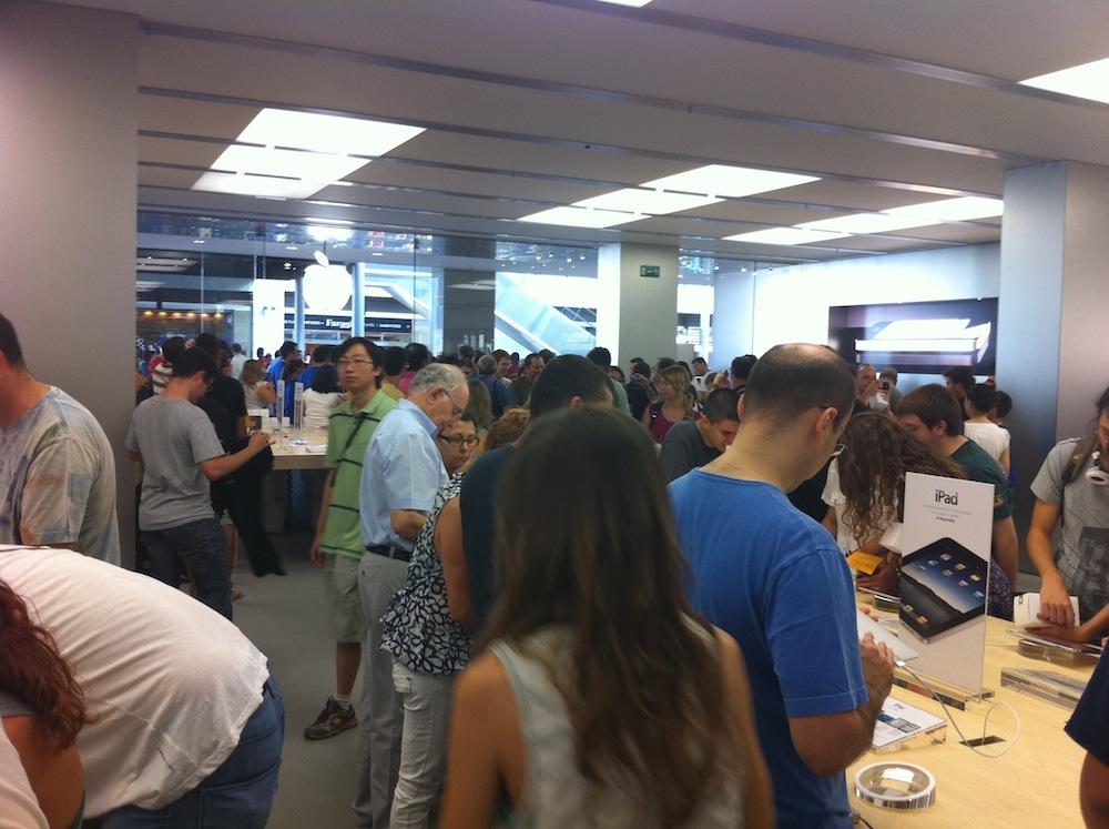 Foto de Inauguración Apple Store La Maquinista (85/93)
