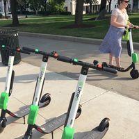 """Los scooters eléctricos de Lime con problemas: la compañía advierte de """"frenado excesivo"""", pero una solución está en camino"""