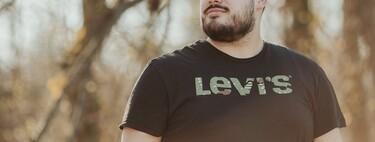 Estas camisetas de Levi's hacen de su logo un must de otoño (y para todo el año) que consigues en Cortefiel por sólo 15 euros