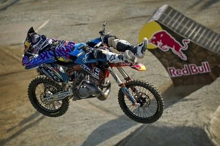 red-bull-x-fighters-osaka-levi-sherwood