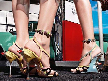 Prada se inspira en un Cadillac para su colección Primavera-Verano 2012