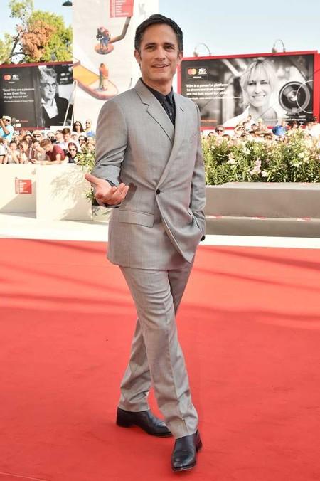 Gael Garcia Bernal Dior Homme Red Carpet Alfombra Roja Ema Premiere Venice Film Festival 03