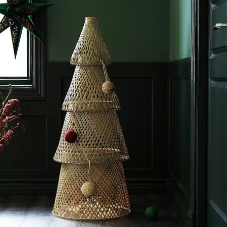 Los adornos luminosos, las coronas y los árboles de Navidad más alternativos y novedosos de Ikea para esta Navidad