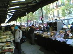 Comprar videojuegos en un mercadillo de Barcelona: toda una experiencia