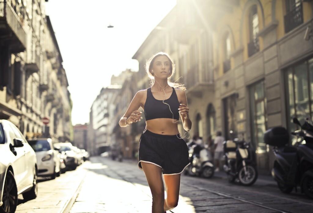 Nueve pantalones cortos de deporte por menos de 24 euros, para entrenar fresquita durante este verano