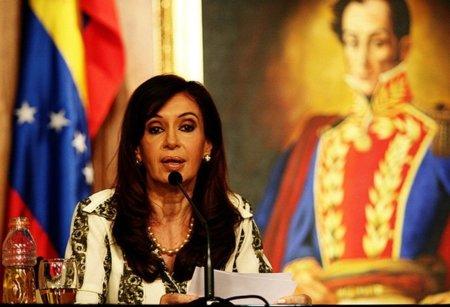 Argentina deja sin licencia al grupo Clarín favoreciendo a Telefónica y Telecom como duopolio de Internet