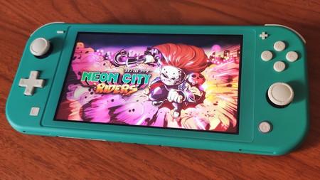 """'Neon City Riders', el juego de """"post-cyberpunk neón"""" desarrollado en México llegará 13 de marzo a PS4, Xbox One, Switch y PC"""