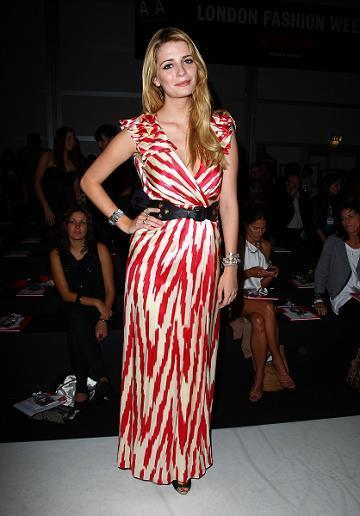 Más looks de Mischa Barton en la Semana de la Moda de Londres