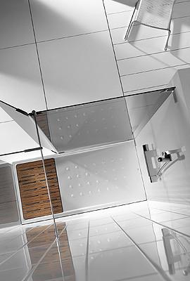 Plato de ducha con tarima incorporada