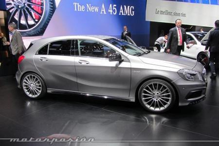 Mercedes A45 AMG lateral Ginebra 2013