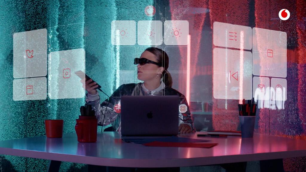 Nreal Light: así son y funcionan las nuevas gafas de realidad aumentada de Vodafone