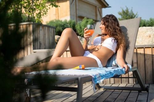 Consejos de belleza: sol, calor y cierra los ojos (piensa en el próximo otoño)