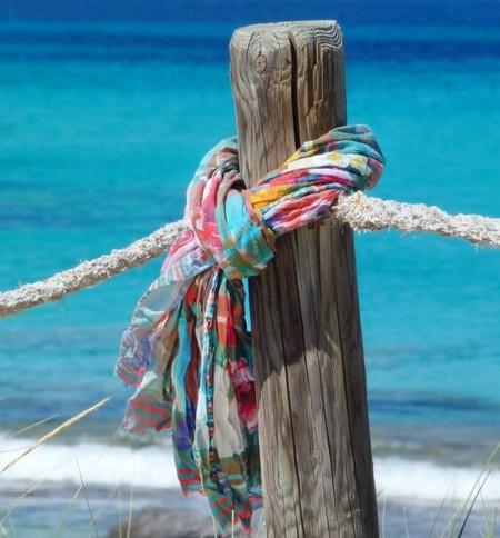 Scarf of the World: el foulard que hubiera llevado Julio Verne