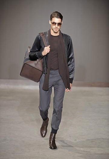Foto de Louis Vuitton, Otoño-Invierno 2010/2011 en la Semana de la Moda de París (10/13)