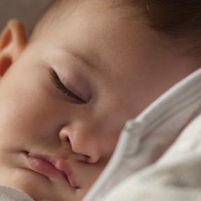 ¿Cuántas horas de sueño necesitan los niños según su edad?