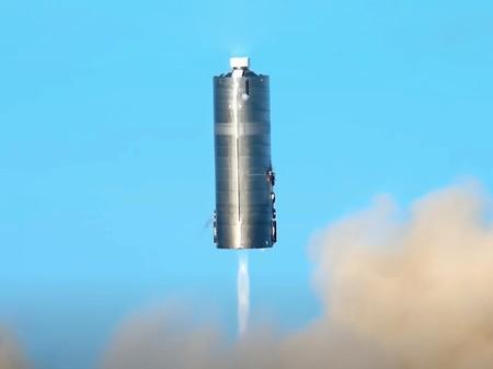 Un prototipo de la gigantesca Starship de SpaceX consigue finalmente realizar un vuelo de prueba con éxito