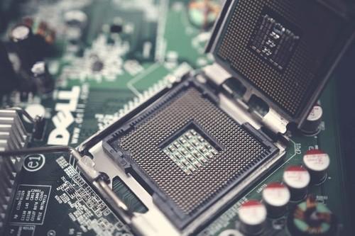 Saltar de PowerPC a Intel nos llevó 14 meses: esto es lo que hay que considerar al pensar fechas para los Mac con chips ARM