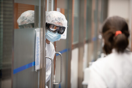 Cuánto dura la inmunidad de los que ya han pasado el COVID19 y tienen anticuerpos: lo que podemos esperar de las vacunas