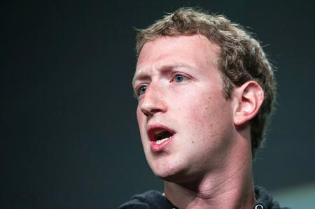 Zuckerberg presenta novedades en las comunidades de Facebook como si fuese un político