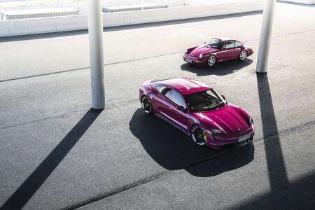 El Porsche Taycan se actualiza para 2022 con Android Auto, mejor autonomía y colores noventeros del 911