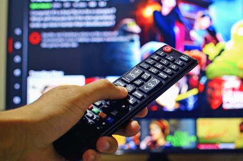 Televisión gratis para el aislamiento: estos son los paquetes y canales que regala cada operador