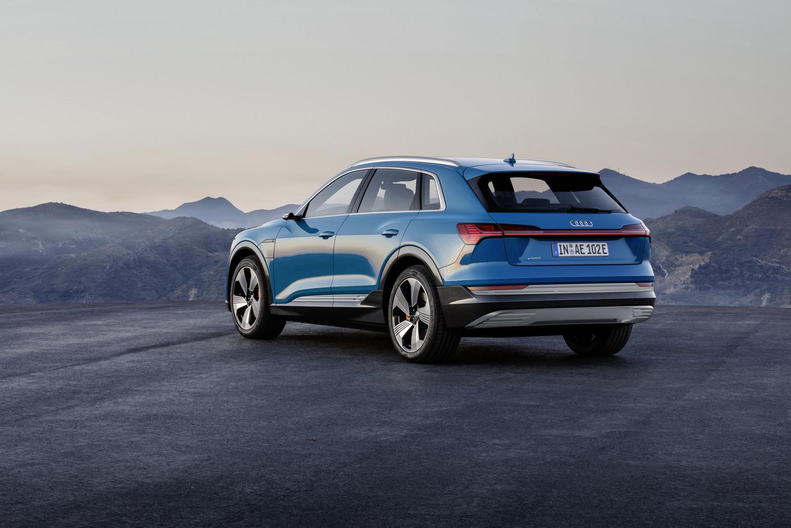 Foto de Audi e-tron (15/37)