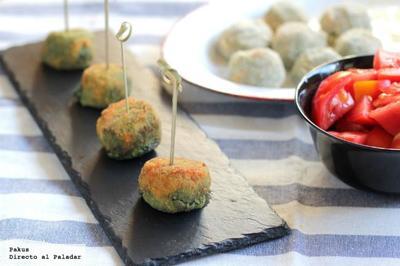 Croquetas caseras de espinacas y queso azul. Receta de aperitivo