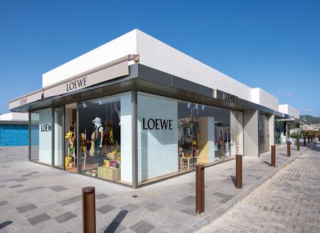 El lujo invade las costas españolas: Louis Vuitton, Loewe o Chanel abren sus 'pop up stores' en nuestro país