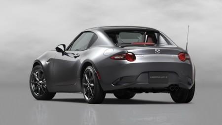Mazda MX-5 RF, el Miata hard-top que tanto pedías llega más interesante de lo que crees