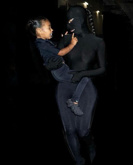 Kim Kardashian Total Look Balenciaga 03