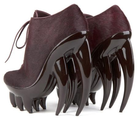 Fang, los terroríficos zapatos de Iris van Herpen para United Nude