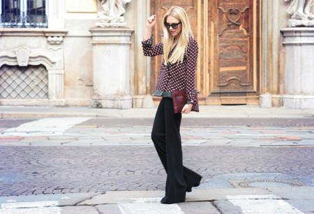 ¿Los flared trousers son tendencia y aún no sabes cómo lucirlos?, ¡toma nota!