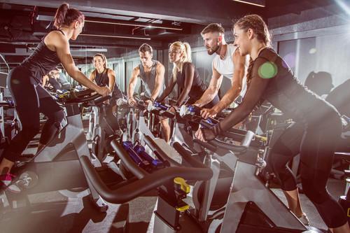 Cinco consejos para sobrevivir a tu primera clase de spinning o ciclo indoor