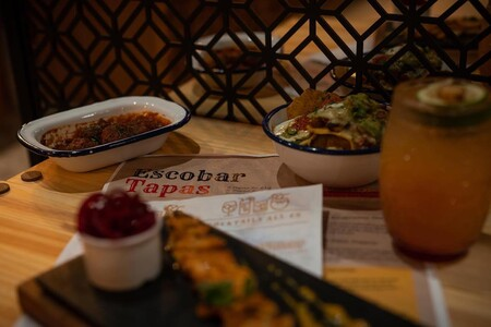 Polemica al rededor del bar Escobar en Inglaterra que glorifica al capo colombiano de la mafia