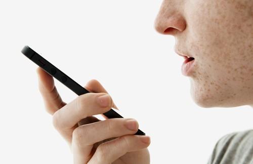 Si tapas tu webcam por privacidad quizás te interese hacer lo mismo con tu micrófono