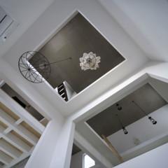 Foto 8 de 14 de la galería casas-poco-convencionales-viviendo-en-una-estanteria-gigante en Decoesfera