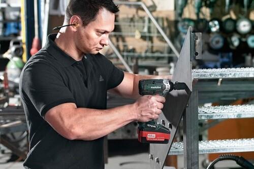 Taladros, lijadoras o cortavarillas rebajados en Amazon de marcas como Bosch, Stanley, Metabo o Makita