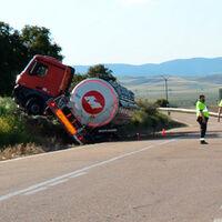 Vergonzoso: el conductor de un camión articulado da positivo tras sufrir un accidente... ¡y septuplica la tasa de alcohol!