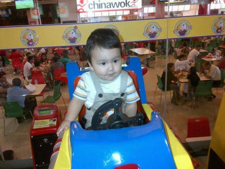 La foto de tu bebé: Adrián jugando