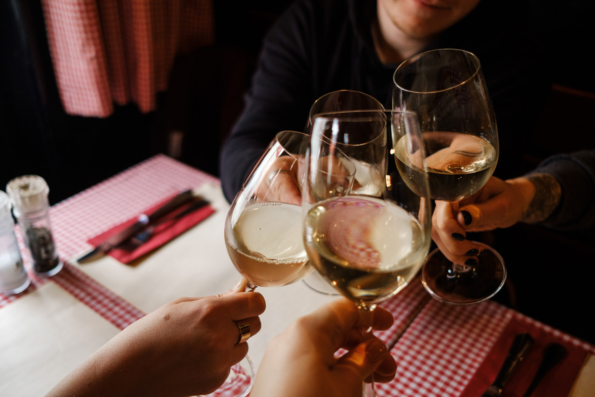 La otra brecha de Europa: el alcoholismo mata a mucha más gente en los países nórdicos que en el sur