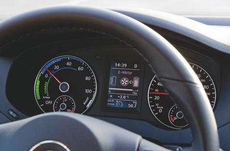 Volkswagen Jetta Hybrid 04