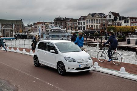 El coche eléctrico barato aún no es rentable: Škoda podría perder 8.000 euros con cada CITIGOe iV vendido