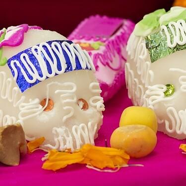 Calaveritas de azúcar para la ofrenda del Día de Muertos. Receta fácil